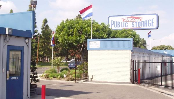Mini Public Storage - Stanton Self Storage 11342 Western Ave Stanton, CA - Photo 1