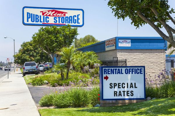 Mini Public Storage - Stanton Self Storage 11342 Western Ave Stanton, CA - Photo 0