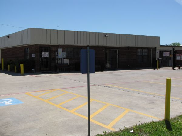 Top Mini Storage 1101 Martin Luther King Jr Blvd Killeen, TX - Photo 0