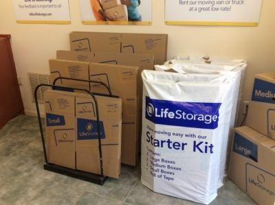 Life Storage - Wagaraw 445 Wagaraw Rd Fair Lawn, NJ - Photo 7
