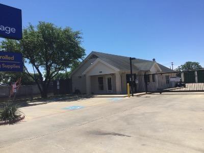 Life Storage - Round Rock - South IH-35 550 S Interstate 35 Round Rock, TX - Photo 0