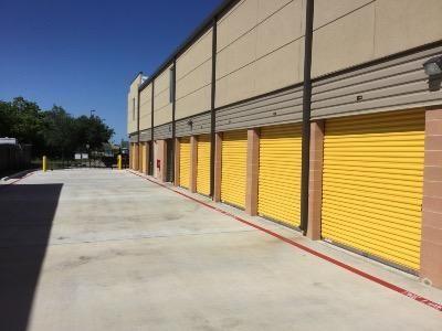 Life Storage - Webster - West Nasa Road 1 900 W Nasa Rd 1 Webster, TX - Photo 1