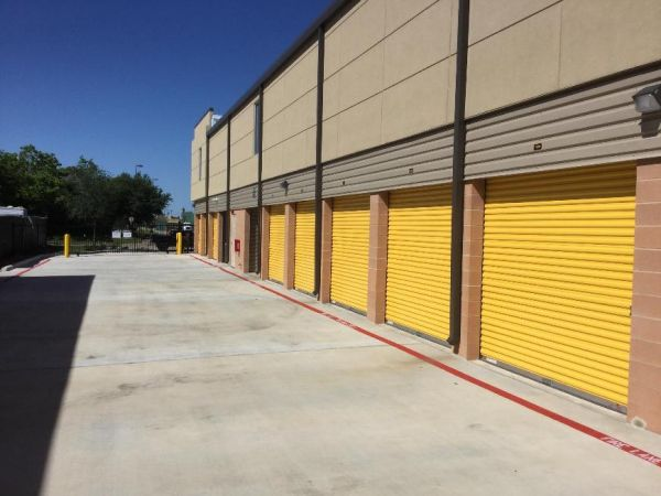 Life Storage - Webster - West Nasa Road 1 900 W Nasa Rd 1 Webster, TX - Photo 6