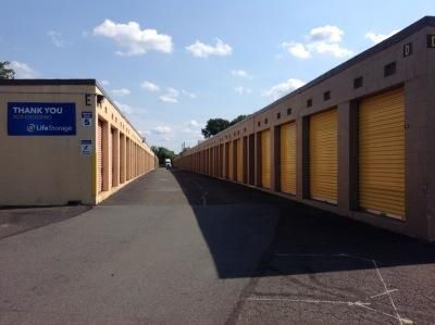 Life Storage - Piscataway 500 Stelton Rd Piscataway, NJ - Photo 4