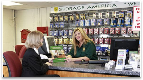 Storage America - Central Falls 558 Roosevelt Ave Central Falls, RI - Photo 3