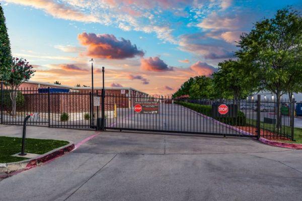 Advantage Storage - Main St. 3339 W Main St Frisco, TX - Photo 6
