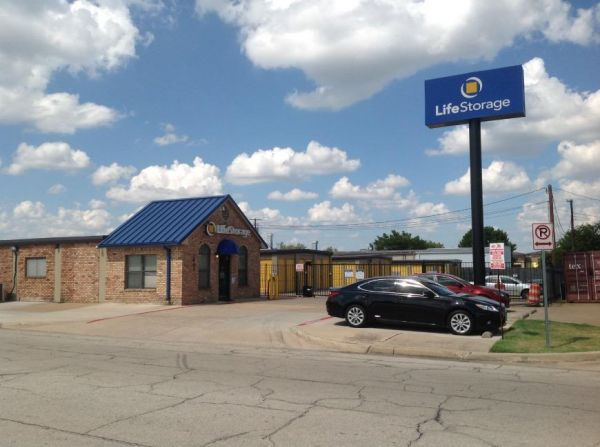 Life Storage - Arlington - Blue Danube Street 1401 Blue Danube St Arlington, TX - Photo 2