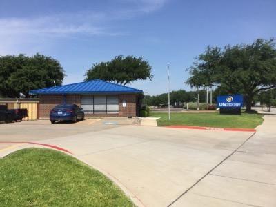 Life Storage - Arlington - East Lamar Boulevard 1620 E Lamar Blvd Arlington, TX - Photo 0