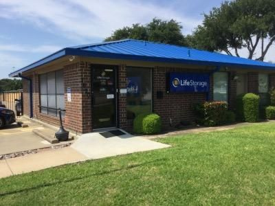 Life Storage - Arlington - East Lamar Boulevard 1620 E Lamar Blvd Arlington, TX - Photo 6