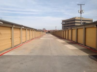 Life Storage - Benbrook 6162 Southwest Blvd Benbrook, TX - Photo 6