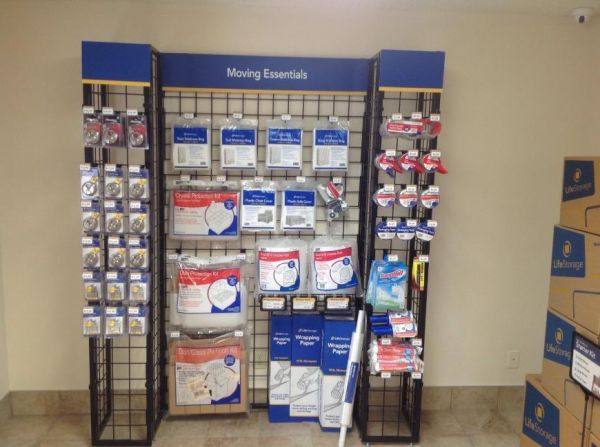 Life Storage - Benbrook 6162 Southwest Blvd Benbrook, TX - Photo 4