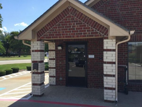 Life Storage - Coppell 585 S Macarthur Blvd Coppell, TX - Photo 3
