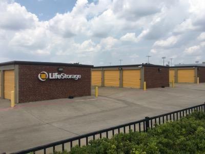 Life Storage - Plano - Plano Parkway 4005 W Plano Pky Plano, TX - Photo 5