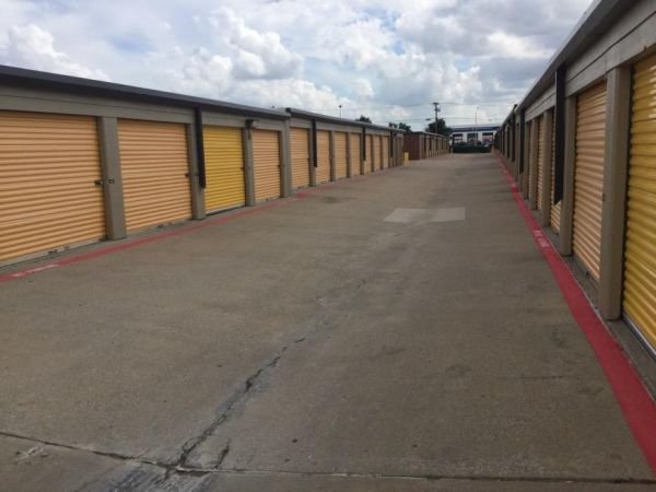 Life Storage - Plano - Plano Parkway 4005 W Plano Pky Plano, TX - Photo 3