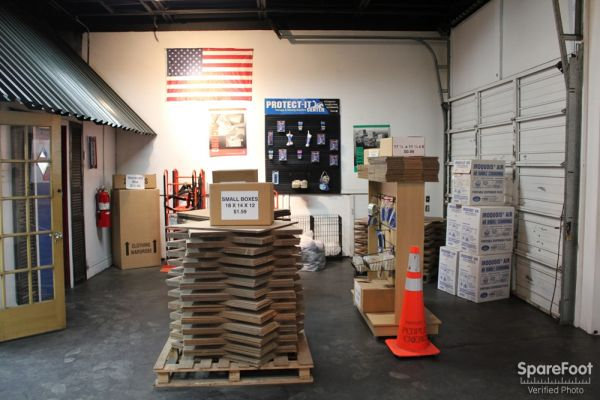 American Self-Storage LLC 5509 S Oakley Ave Chicago, IL - Photo 12