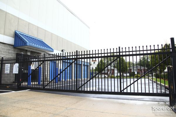 Central Self Storage - Island Park 4055 Austin Blvd Island Park, NY - Photo 2