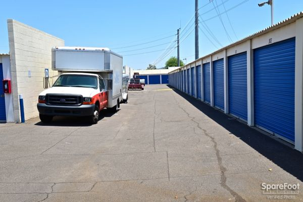 Central Self Storage - Cactus 5240 W Cactus Rd Glendale, AZ - Photo 8
