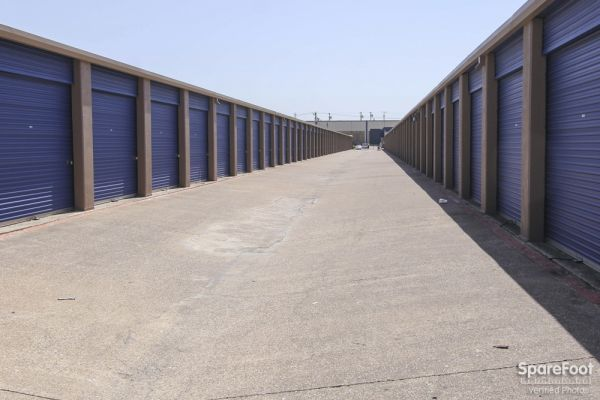 Macho Self Storage - Carrollton 1615 Vantage Dr Carrollton, TX - Photo 3