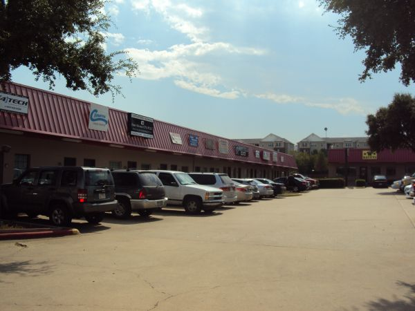 Macho Self Storage - Denton 525 Fort Worth Dr Denton, TX - Photo 4