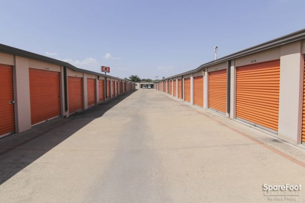 Macho Self Storage - Dallas 1750 W Northwest Hwy Dallas, TX - Photo 7