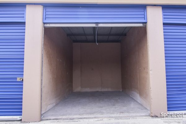Macho Self Storage - Irving 3930 Valley View Ln Irving, TX - Photo 7