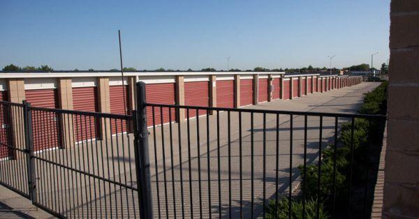 Central Self Storage - Kansas City 1702 E Kansas City Rd Olathe, KS - Photo 3