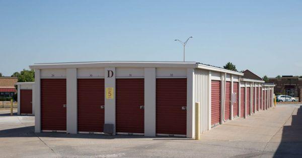 Central Self Storage - Kansas City 1702 E Kansas City Rd Olathe, KS - Photo 4