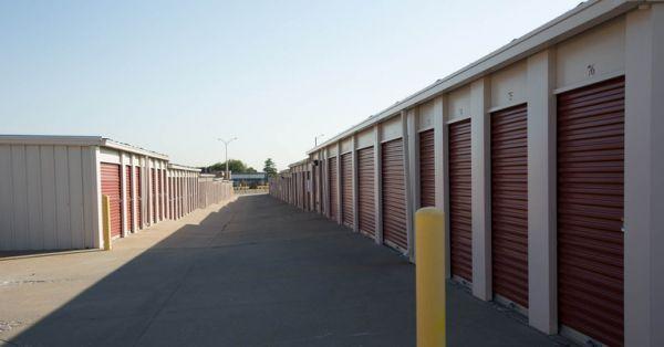 Central Self Storage - Kansas City 1702 E Kansas City Rd Olathe, KS - Photo 5