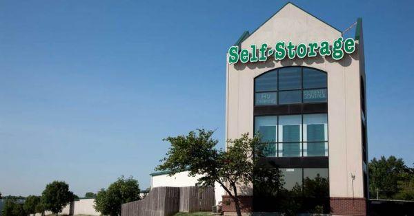 Central Self Storage - Shawnee 2806 S 44th St Kansas City, KS - Photo 0