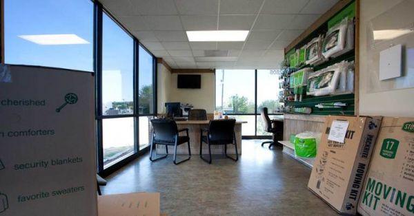 Central Self Storage - Shawnee 2806 S 44th St Kansas City, KS - Photo 8