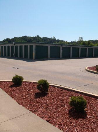 Central Self Storage - Knobtown 13824 Blue Pky Kansas City, MO - Photo 1