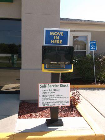 Central Self Storage - Knobtown 13824 Blue Pky Kansas City, MO - Photo 3