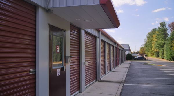 Gentil ... Security Public Storage   Herndon385 Spring Street   Herndon, VA    Photo 1 ...