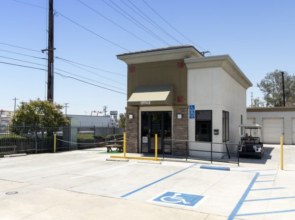 Tri City Storage 485 W La Cadena Dr Riverside, CA - Photo 2