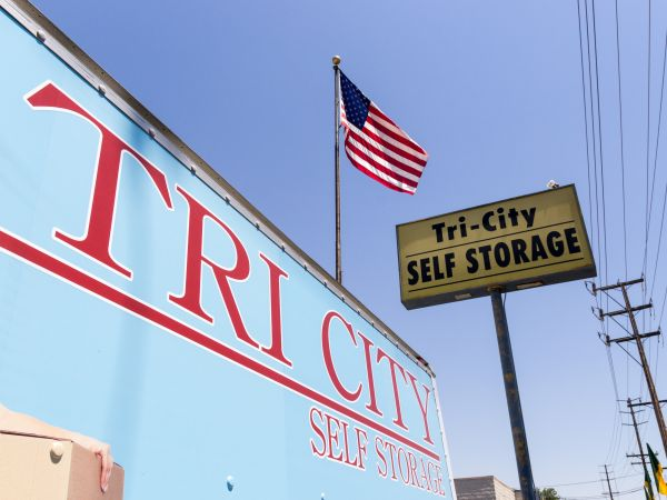 Tri City Storage 485 W La Cadena Dr Riverside, CA - Photo 0