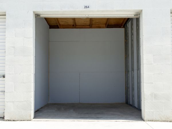 Tri City Storage 485 W La Cadena Dr Riverside, CA - Photo 7