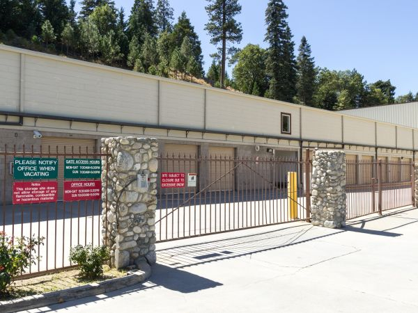 Arrowhead Self Storage - Rimforest - 26677 State Hwy 18 26677 State Hwy 18 Rimforest, CA - Photo 7