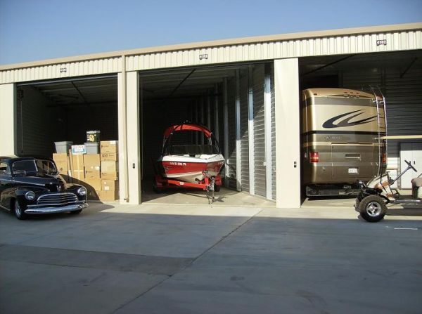 Dakota Park Storage 3515 W Dakota Ave Fresno, CA - Photo 3