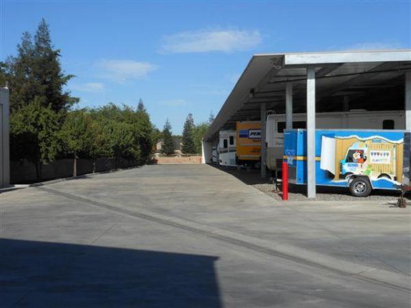 Dakota Park Storage 3515 W Dakota Ave Fresno, CA - Photo 5