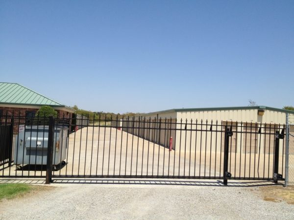 Storemore Self Storage 3015 N Highway 167 Catoosa, OK - Photo 5
