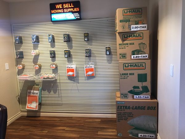 Associated Self Storage - Miramar 9434 Kearny Mesa Rd San Diego, CA - Photo 9