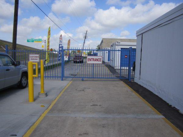... A AAA Houston Storage7625 N Loop E Fwy   Houston, TX   Photo 3 ...