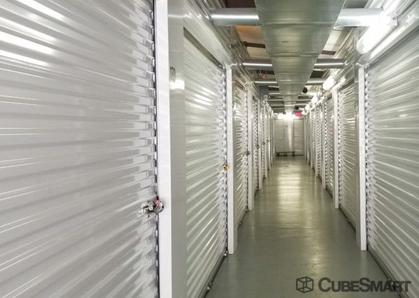 CubeSmart Self Storage - Pearland - 1919 E Broadway St 1919 E Broadway St Pearland, TX - Photo 5