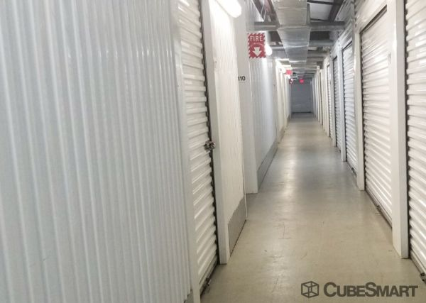 CubeSmart Self Storage - Pearland - 1919 E Broadway St 1919 E Broadway St Pearland, TX - Photo 6