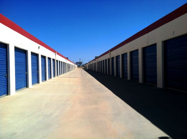 RightSpace Storage - Victorville 11622 Amargosa Rd Victorville, CA - Photo 2