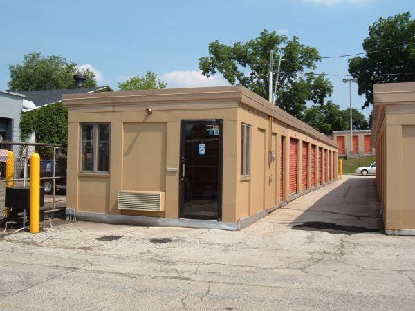 Mr. Storage - Roxborough 6758 Ridge Avenue Philadelphia, PA - Photo 3