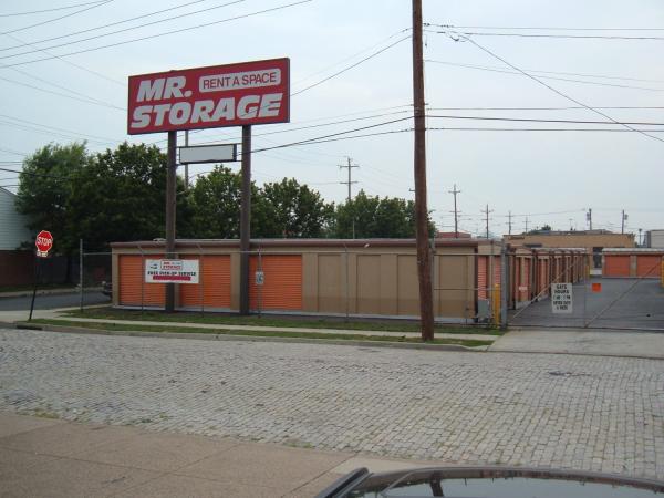 Mr. Storage - South Phila 2515 S Front St Philadelphia, PA - Photo 6