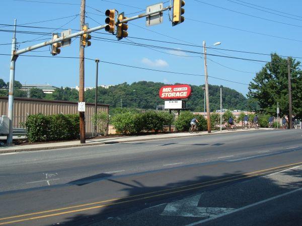 Mr. Storage - Manayunk 5026 Ridge Ave Philadelphia, PA - Photo 4