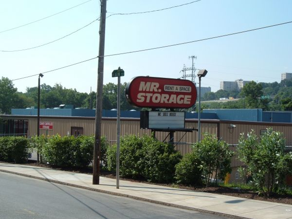Mr. Storage - Manayunk 5026 Ridge Ave Philadelphia, PA - Photo 6