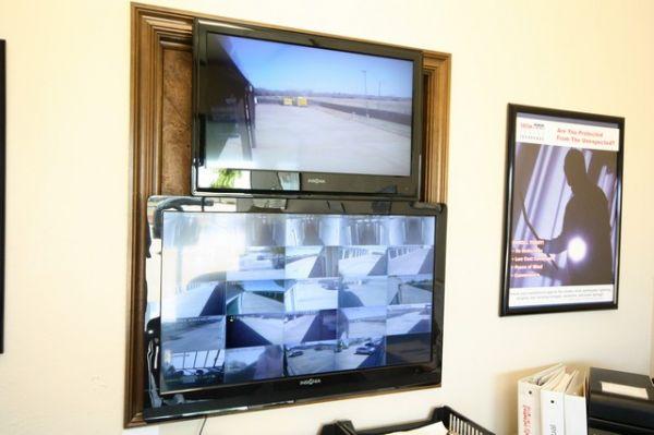 SecurCare Self Storage - Oklahoma City - W Hefner Rd. 7829 W Hefner Rd Oklahoma City, OK - Photo 5